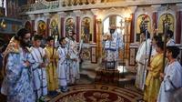 (Φωτογρ. Υλικό) Αρχιερατική Θεία Λειτουργία εις τον Ι.Ν. Κοιμήσεως της Θεοτόκου - Κρυονερίου