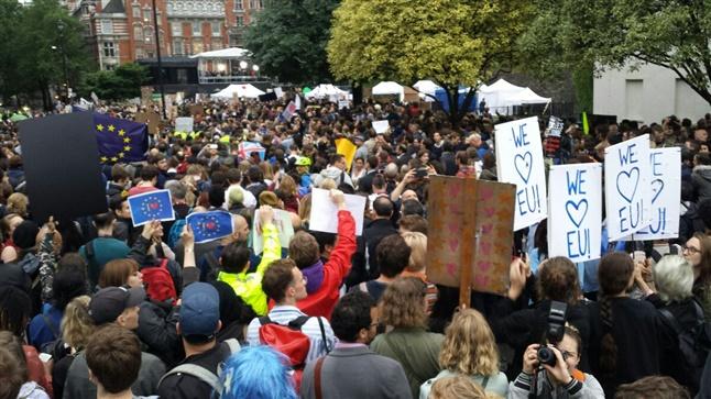 Το Λονδίνο φωνάζει θέλουμε Ευρώπη. Ανταπόκριση Livemedia από...