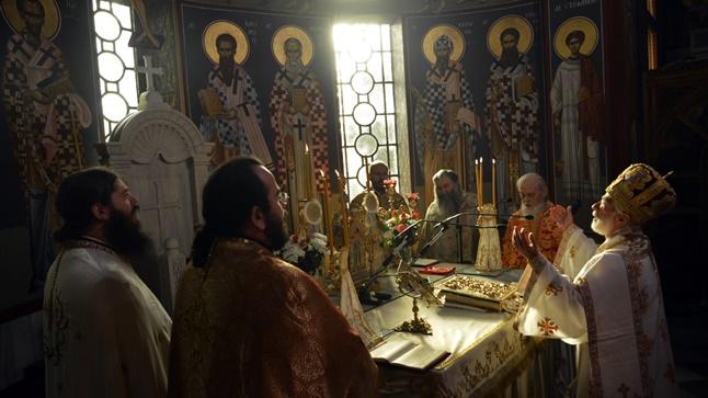 (Φωτογρ. Υλικό) Αρχιερατική Θεία Λειτουργία εις τον Ιερό Μητροπολιτικό Ναό Αγίας Παρασκευής - Λαγκαδά