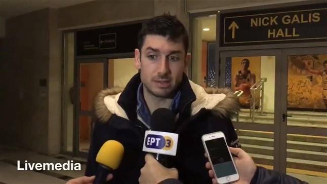 Ο Βασίλης Ξανθοπουλος μετά την ήττα από τους Σκαιλαινερς στην...