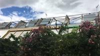 Το αποτυχημένο πείραμα στο Ηλιακό Χωριό της Πεύκης Ο οικισμός χτίστηκε τη δεκαετ...