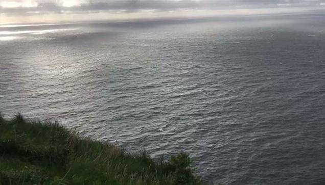 Δειλινό με θέα που σου κόβει την ανάσα, στον Ατλαντικό. Οι παράκτιοι...