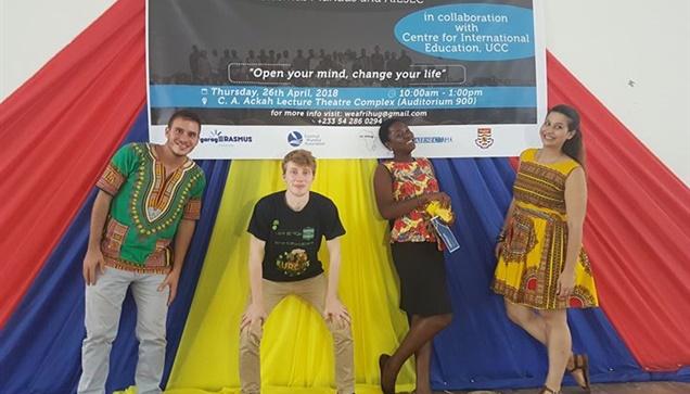 """Χορηγός επικοινωνίας στο έργο της ομάδας WE AfriHug """"Η ομάδα του WE AfriHug συμ..."""