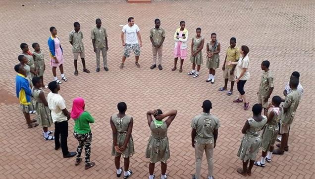 """""""Η ομάδα του WE AfriHug διοργανώνει εκπαιδευτικό σεμινάριο στο Ταμάλε της Γκάνας..."""