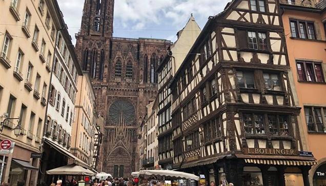 Καθεδρικός Ναός του Στρασβούργου Cathédrale Notre-Dame-de-Strasbourg...