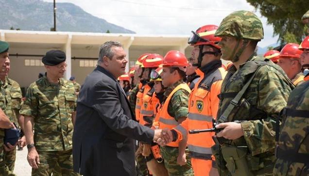 Ο Υπουργός Εθνικής Άμυνας Πάνος Καμμένος, συνοδευόμενος από τον...