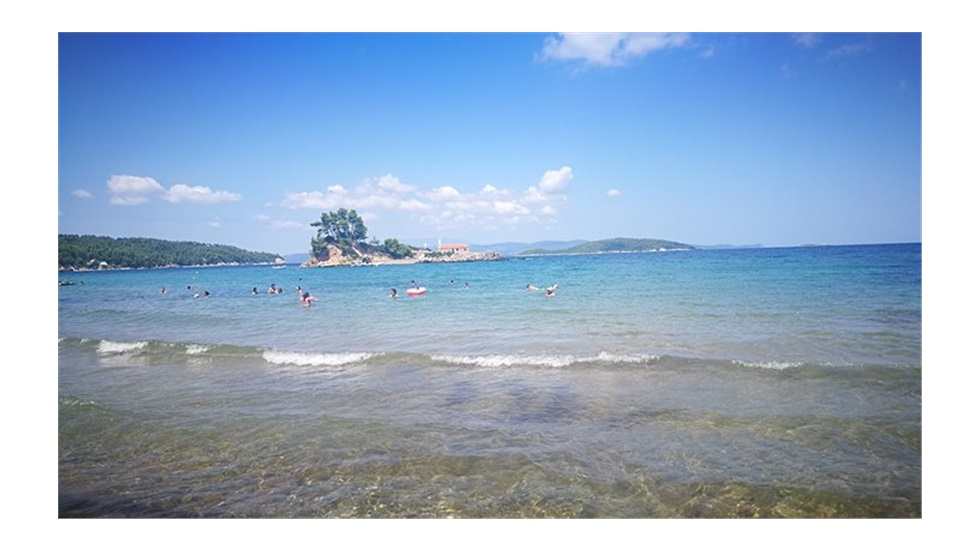 Παραλία Αγίου Νικολάου στη Βόρεια Εύβοια: ήσυχα και οικογενειακά...