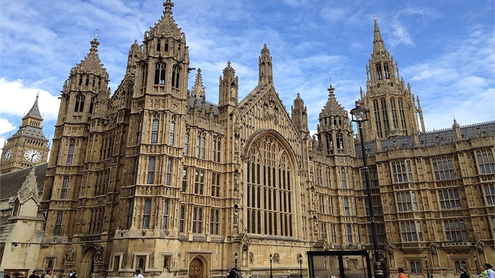 Ραγδαίες οι εξελίξεις στο Ηνωμένο Βασίλειο
