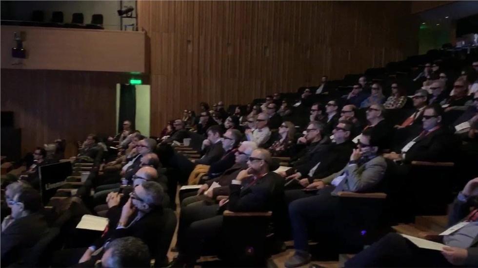 Η πρώτη 3D προβολή του Livemedia για τον κ. Πίτση, για το συνέδριο:...