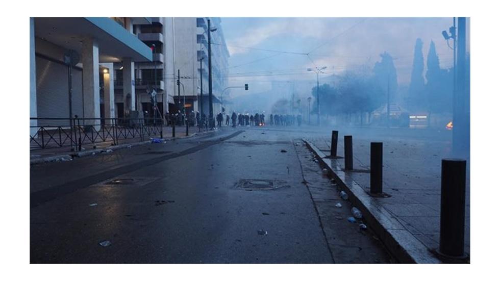 Τα ΜΑΤ έκλεισαν το συλλαλητήριο πριν την ανάγνωση του ψηφίσματος