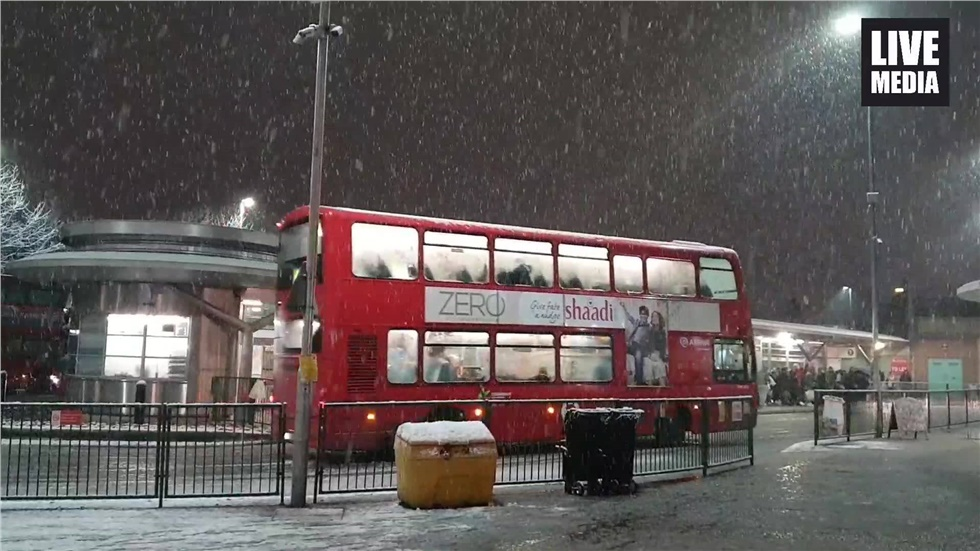 Πρώτη χιονόπτωση για το 2019 στο Λονδίνο
