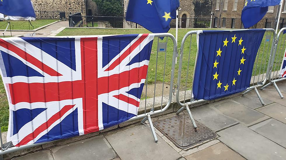 Brexit - Ο χρόνος τελειώνει κι ακόμα δεν υπάρχει κάποιο τελικό...
