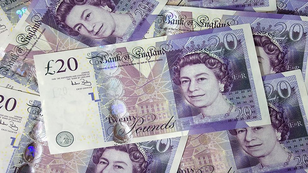 Βρετανία: Πόσο έχει επηρεαστεί η τσέπη των νοικοκυριών λίγες...