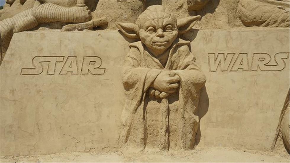 Σαν σήμερα, 25 Μαΐου 1977, έκανε πρεμιέρα στους κινηματογράφους η πρώτη ταινία Star Wars