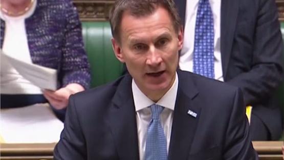 Η Βρετανία προειδοποιεί για τον κίνδυνο πολέμου από ατύχημα μεταξύ...