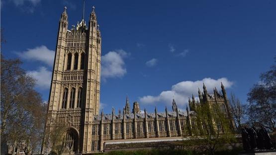 Εκκενώθηκε η βρετανική βουλή μετά από συναγερμό για φωτιά  Συναγερμός...