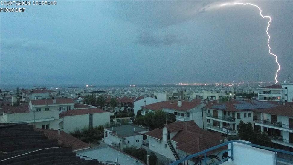 Timelapse: Η στιγμή της σφοδρής κακοκαιρίας στη Χαλκιδική