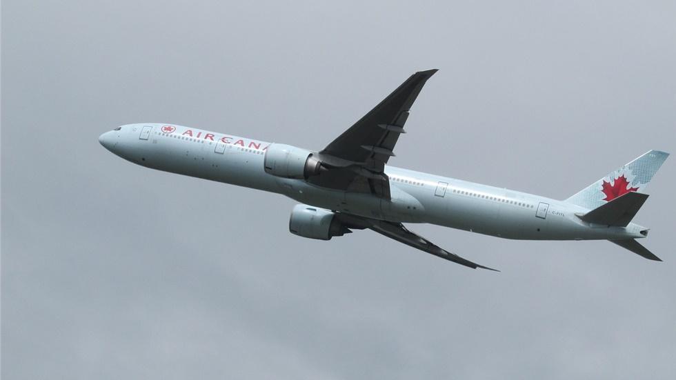 Βίντεο: Επείγουσα προσγείωση αεροσκάφους της Air Canada μετά από ισχυρές αναταράξεις