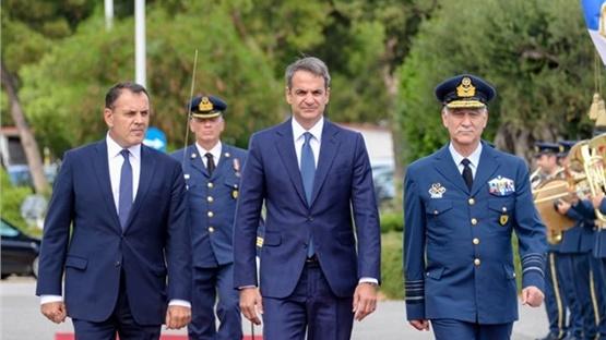 Επίσκεψη Μητσοτάκη στο Υπουργείο Εθνικής Άμυνας