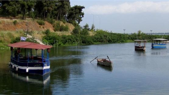 Νεαροί εθελοντές καθαρίζουν και φέτος τη λίμνη Κερκίνη