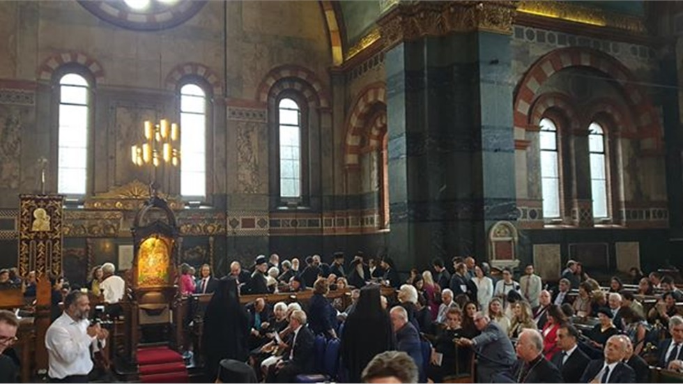 Ξεκινάει σε λίγη ώρα η ενθρόνιση του νέου Αρχιεπισκόπου Θυατείρων...