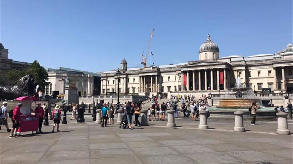 Blue skies over Trafalgar Square!