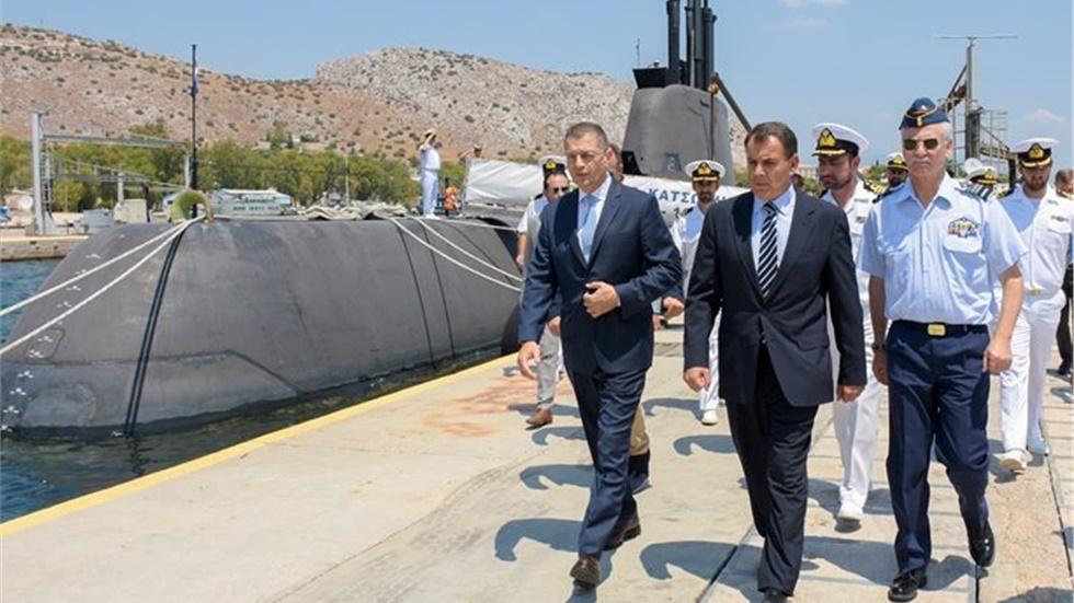 Επίσκεψη Υπουργού Άμυνας στο Αρχηγείο Στόλου στη Σαλαμίνα