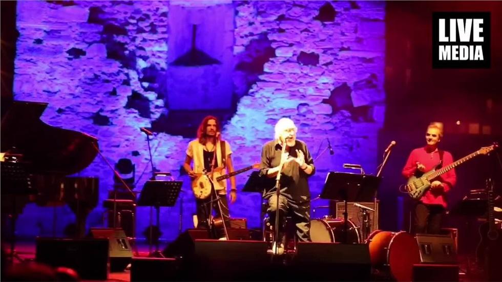"""Μουσικό """"ταξίδι""""στο Woodstock από τον Τραγουδοποιό Διονύση Σαββόπουλο,..."""