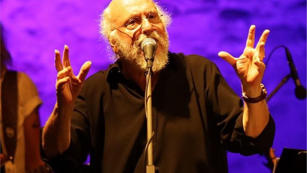 Συναυλία Διονύση Σαββόπουλου, αφιερωμένη στο Woodstock Ένας Σαββόπουλος…...