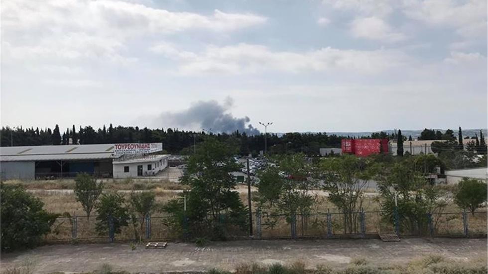 Φωτιά ξέσπασε στην περιοχή του ΙΚΕΑ στην Ανατολική πλευρά της...