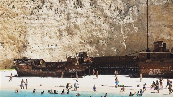 Το Ναυάγιο της Ζακύνθου είναι ένα από τα πιο ενδιαφέροντα αξιοθέατα...