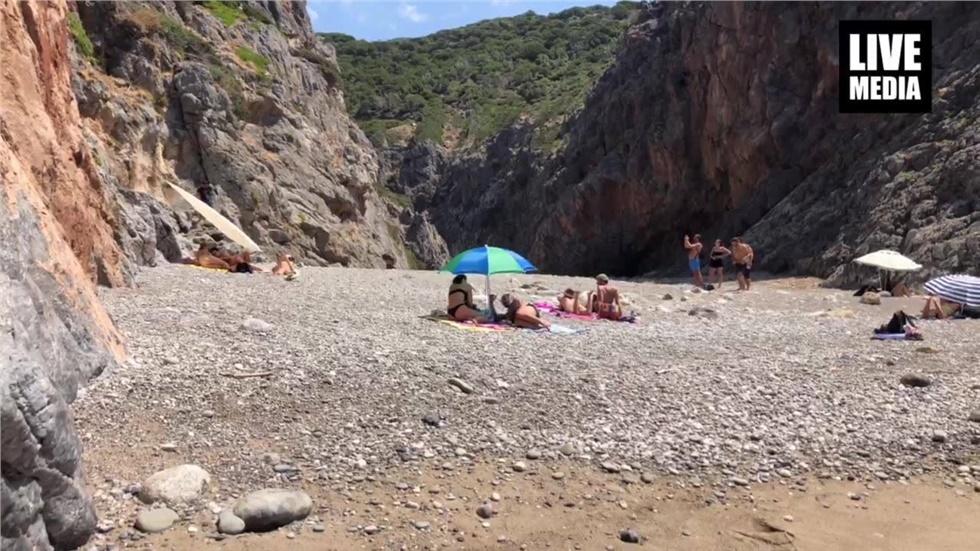 Παραλία Καλάμι στα Κύθηρα! Ένας μαγικός κολπίσκος με δύσκολη...