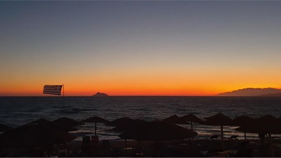 Αγναντεύοντας το ηλιοβασίλεμα στο Καλαμάκι Ηρακλείου Κρήτης!