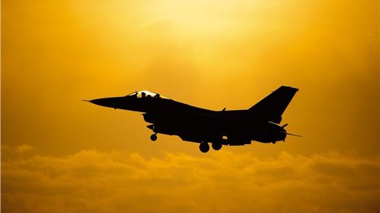 Σώοι οι δύο πιλότοι του F-16 που συνετρίβη στη Γαλλία