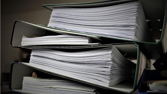 Έρευνα: Πόσο κοστίζει σε χρόνο και χρήμα η γραφειοκρατία των...