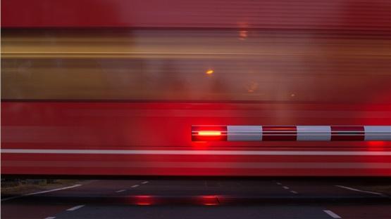 Τρένο που εκτελούσε το δρομολόγιο Λάρισα-Βόλος συγκρούστηκε με...