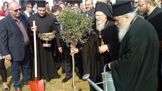 Ο Πατριάρχης Βαρθολομαίος εγκαινίασε το κτήριο της Περιφέρειας...