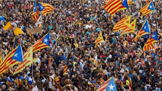Εκατοντάδες χιλιάδες διαδηλωτές υπέρ της ανεξαρτησίας της Καταλονίας....