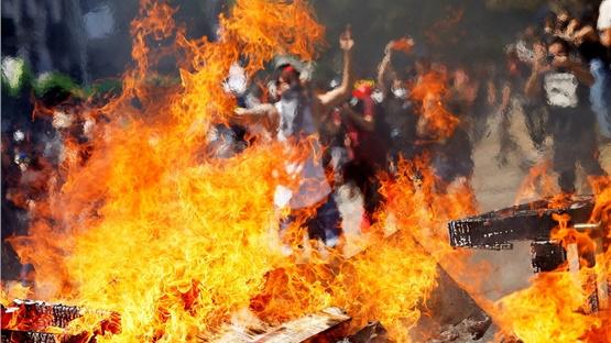Χιλή: Στους δώδεκα οι νεκροί κατά τη διάρκεια των διαδηλώσεων