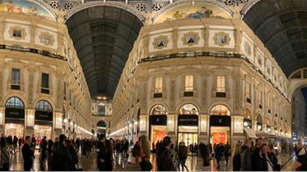 Η αγορά του Μιλάνου by night #milan