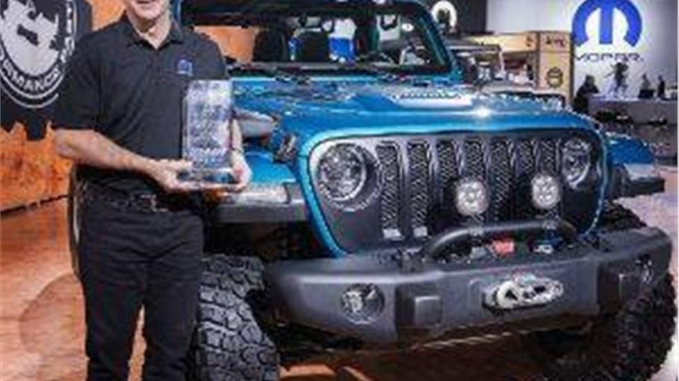 """Το Jeep® Wrangler παραμένει στην κορυφή των""""4x4/SUV of the Year""""..."""