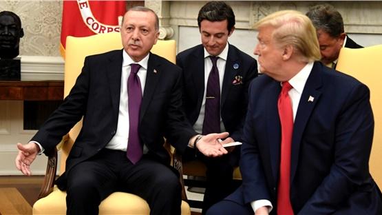 Ο Ντόναλντ Τραμπ υποδέχθηκε τον Ρετζέπ Ταγίπ Ερντογάν στον Λευκό...