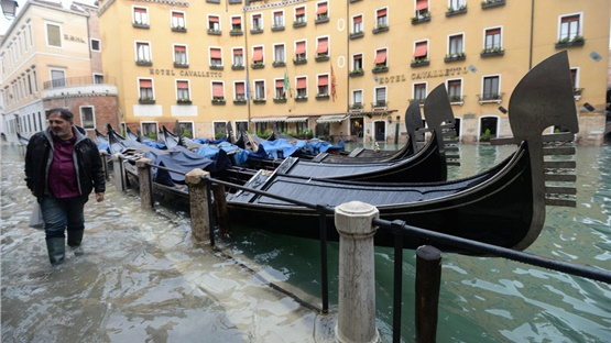 Έκλεισε η πλατεία του Αγίου Μάρκου στη Βενετία εξαιτίας νέας...