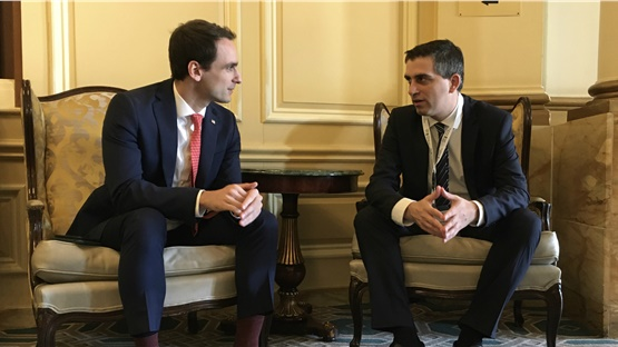 Πρόσκληση σε αμερικανικές επιχειρήσεις να επενδύσουν στην Ελλάδα...