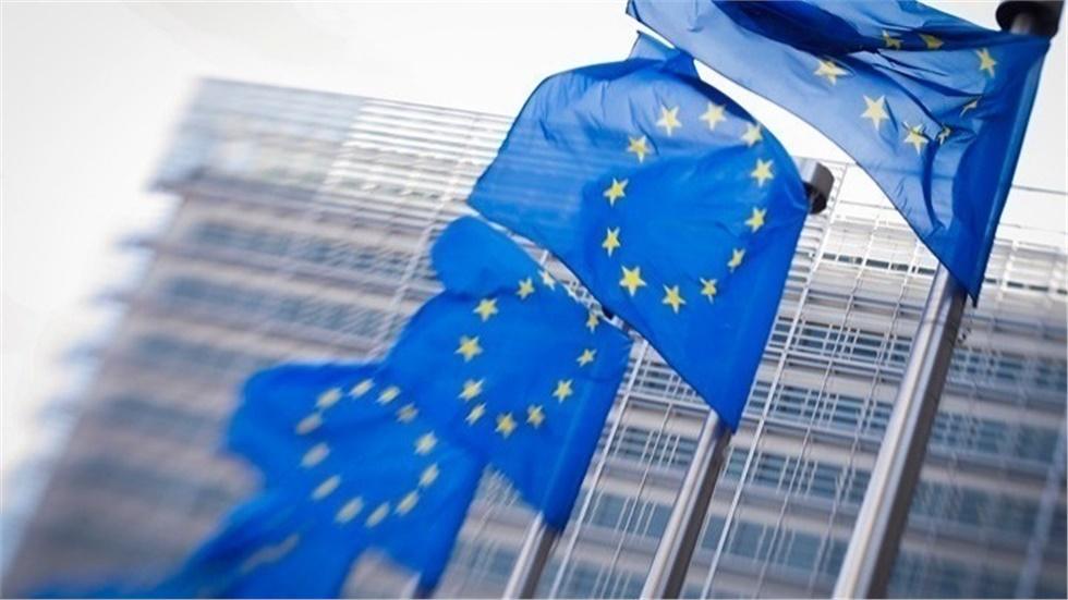 Έρευνα του Ευρωβαρόμετρου: Η πλειονότητα των πολιτών της ΕΕ είναι...