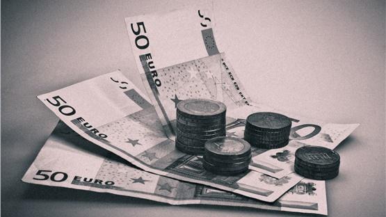 Στα 329,5 δισ. ευρώ, εκτιμάται να κλείσει το δημόσιο χρέος στο...