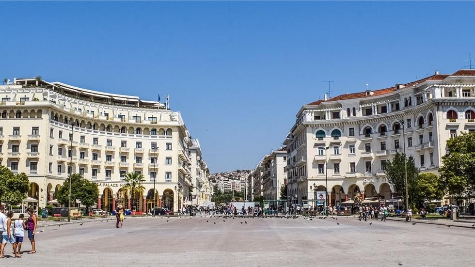 Θεσσαλονίκη: Σε ρυθμούς Χριστουγέννων μπαίνει σταδιακά η πόλη