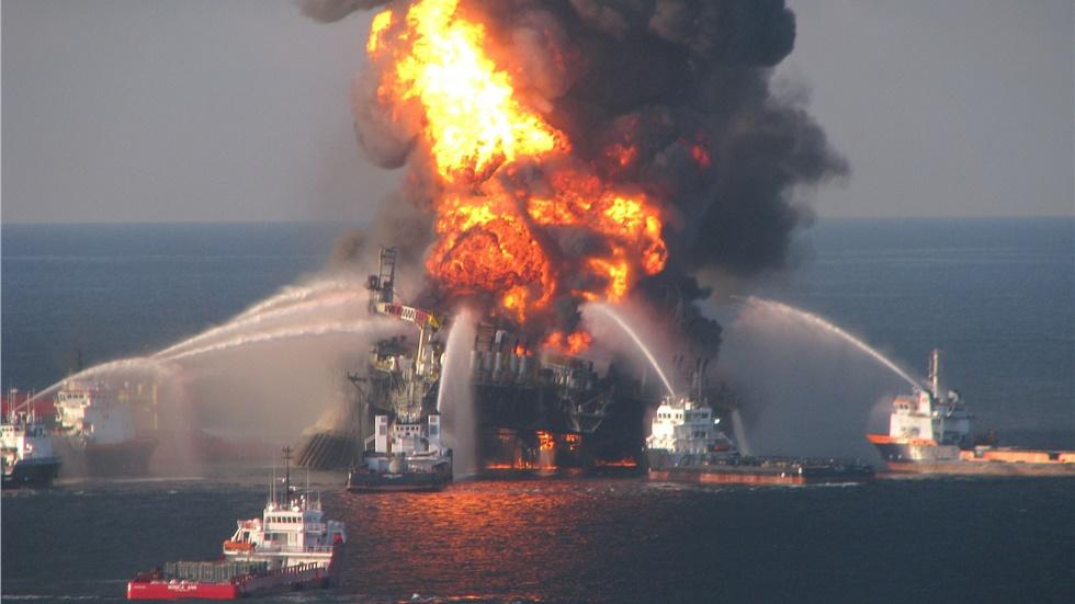Πυρκαγιά σε πλοίο με ελληνική σημαία σε θαλάσσια περιοχή της...