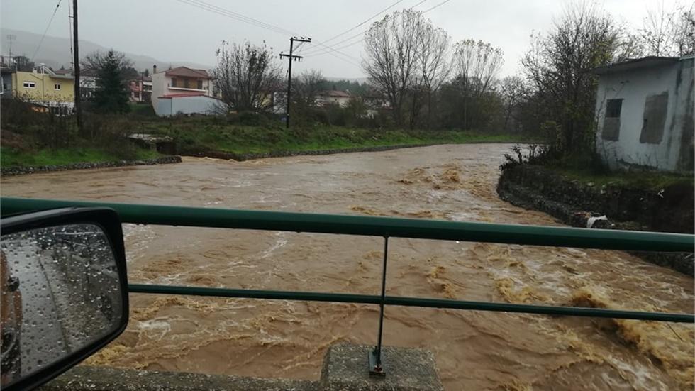 Εκκενώσεις σχολείων και κατοικιών στη Χαλκιδική λόγω πλημμυρών