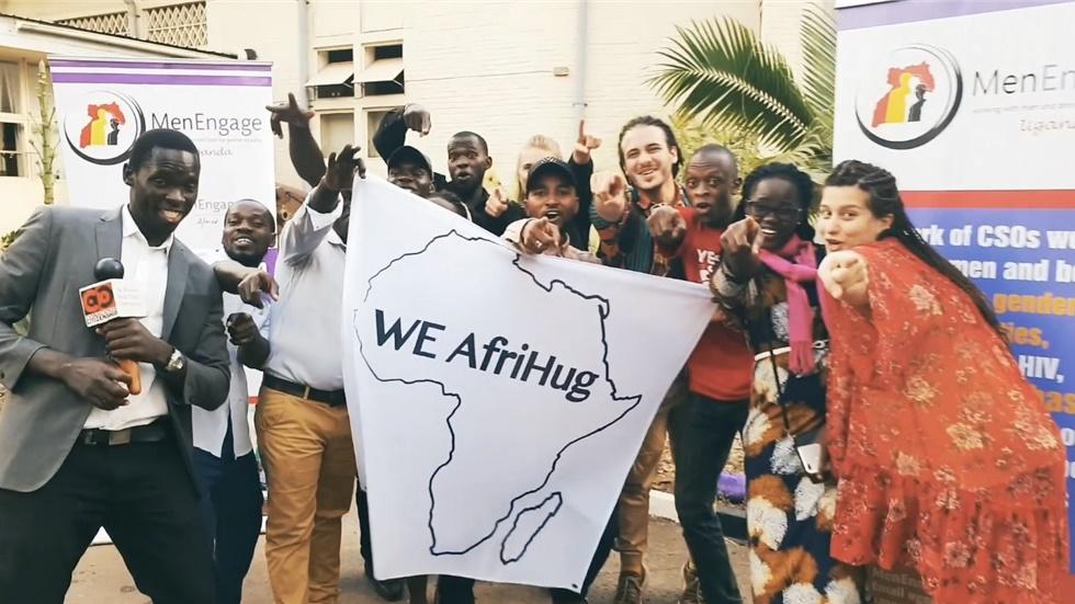 Βίντεο: Το ντοκιμαντέρ μικρού μήκους του WE AfriHug